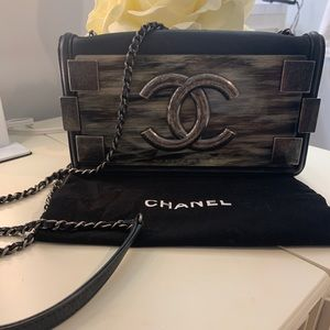 The star is here! Limited edition flap Chanel bag